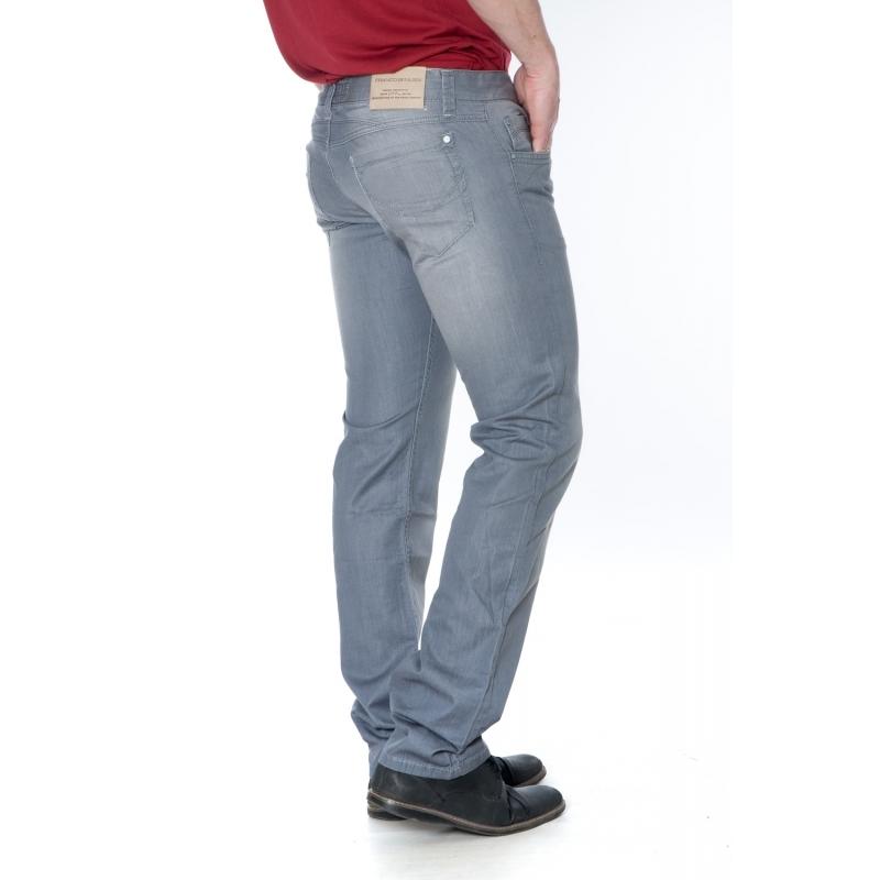 Светло-серые джинсы для мужчин.
